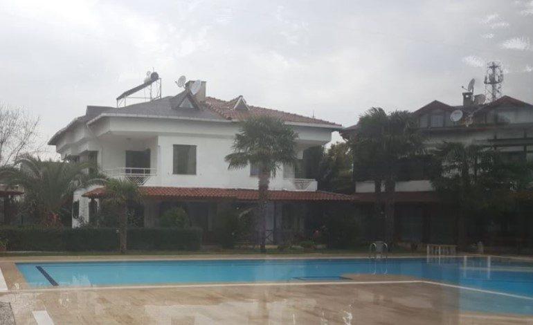 Zümrüt Villaları